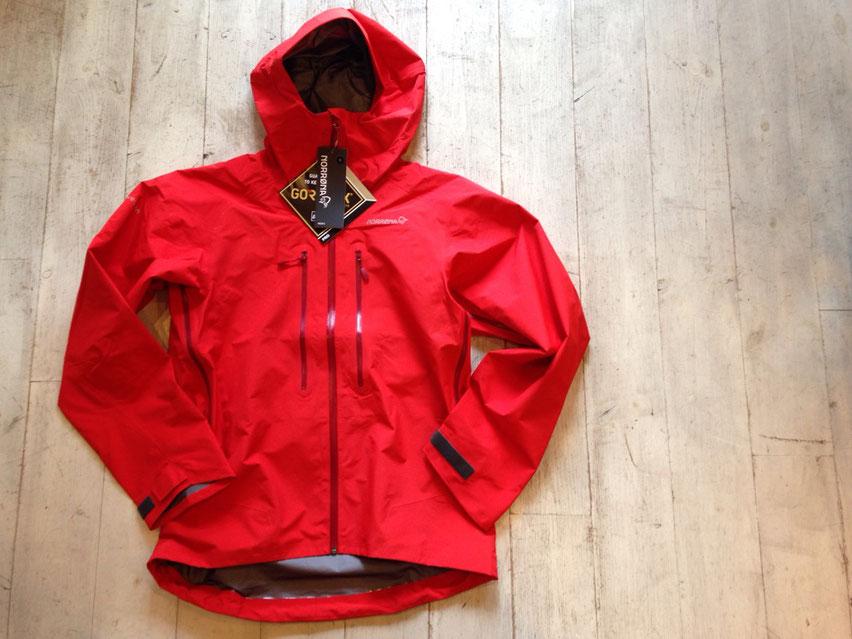NORRONA(ノローナ) trollveggen Gore-Tex light Pro Jacket(Crimson Kick) ¥69,120(税込)