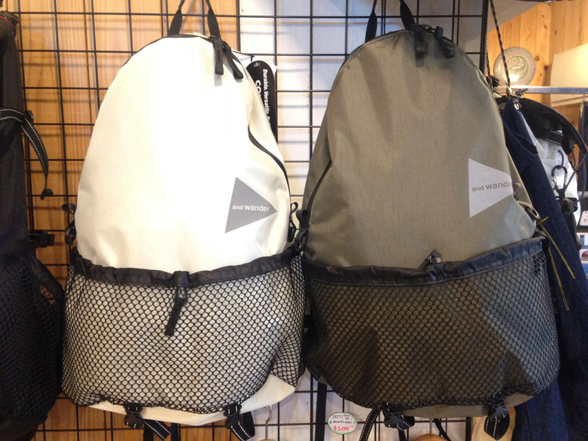 and wander 20L backpack 各¥18,360(税込)