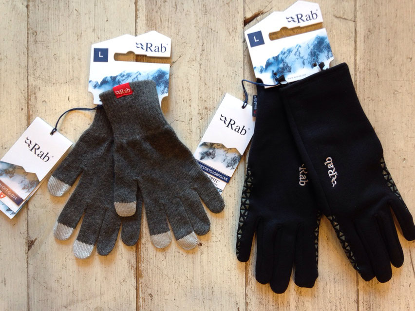 Rab(ラブ)PRIMALOFT GLOVE(左)¥3,780(税込) POWER STRETCH PRO GRIP GLOVE(右)¥5,940(税込)