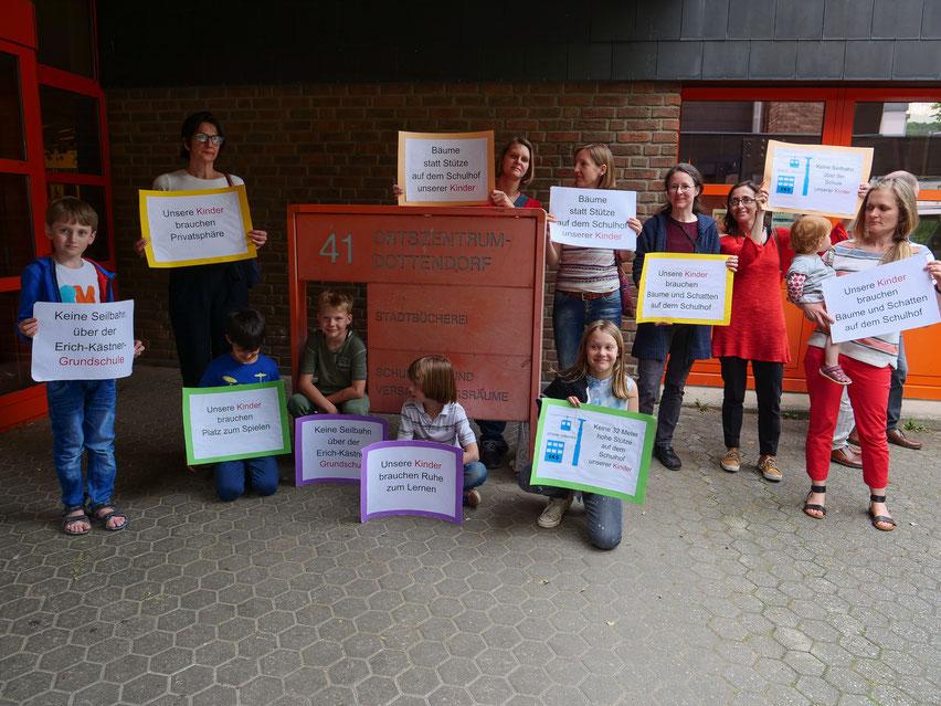 Schüler- und Elternprotest gegen die Seilbahn