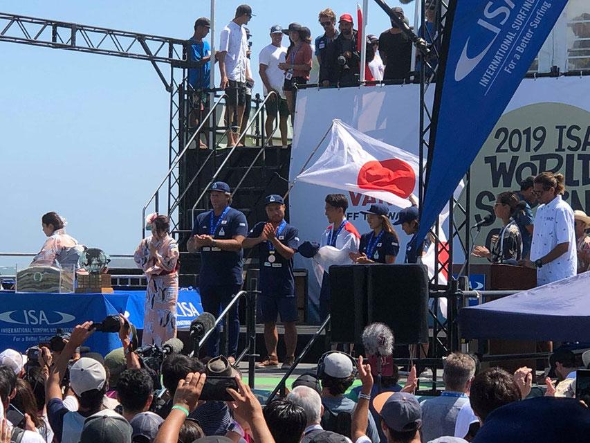 日本、総合ではブロンズメダルを獲得