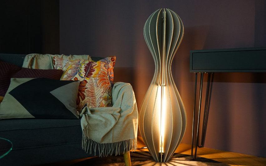 grosse moderne holzstehleuchte mit LED tube 50cm