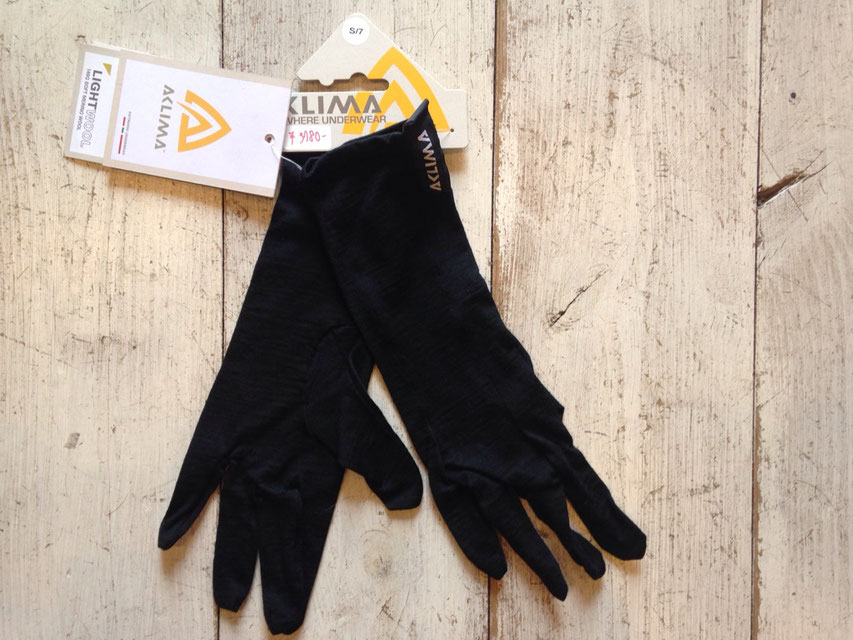 ACLIMA(アクリマ) LIGHTWOOL LINER GLOVES 各¥3,780(税込)
