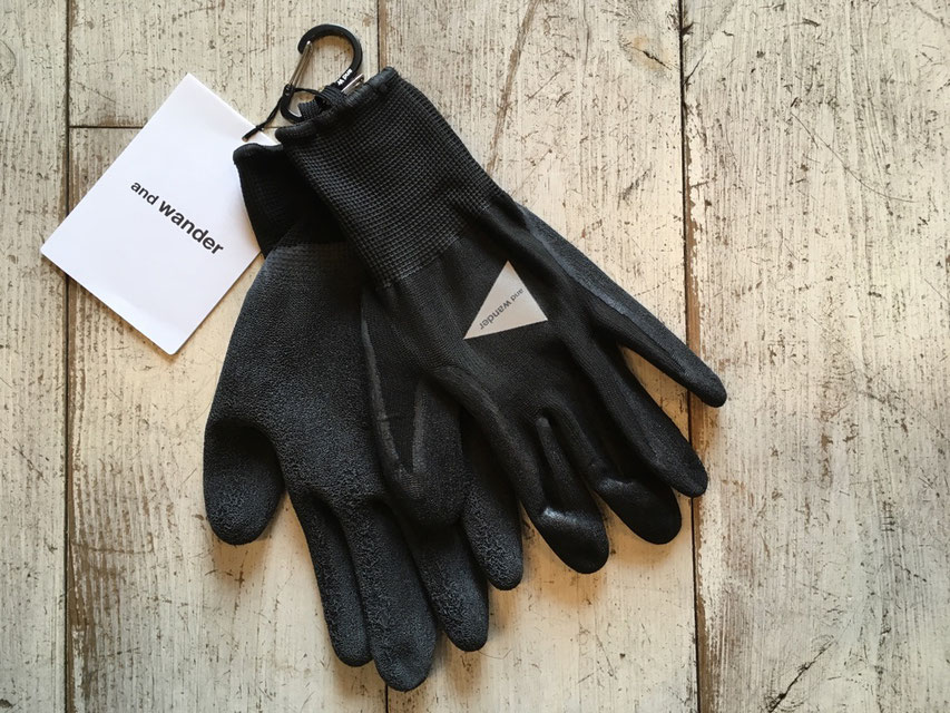 and wander(アンドワンダー) rubber glove ¥2,700(税込)