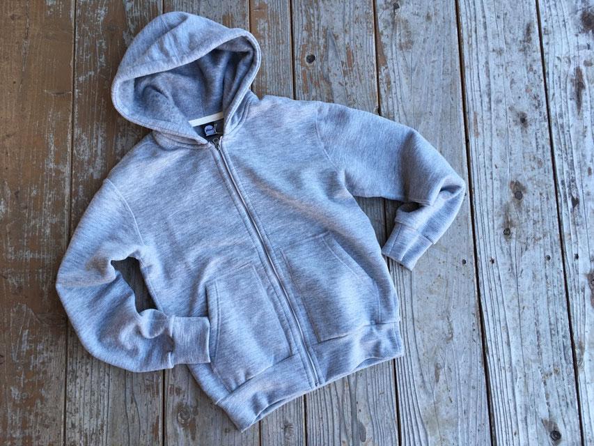 Yetina(イエティナ) Full-Zip hoodie 各¥29,800(+TAX)