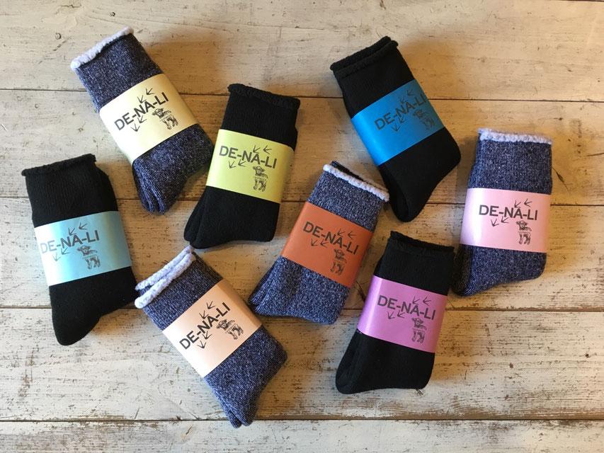 DE-NA-LI(デナリ) Suave Socks / Cashmere 各¥2,300(+TAX)