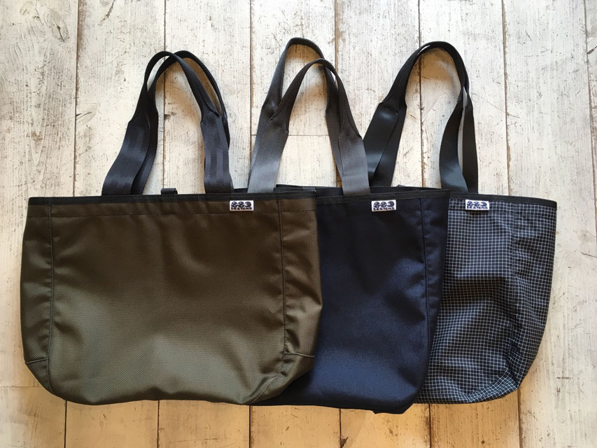 883 designs(ハヤミデザイン) Tote bag 各¥14,800(+TAX)