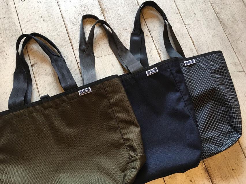 883 designs(ハヤミデザイン) Tote Bag 各¥15,984(税込)