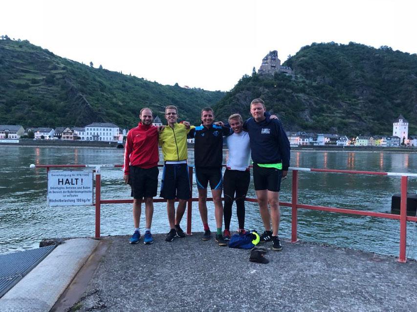 Team vor Burg Katz -noch recht fit nach 202km