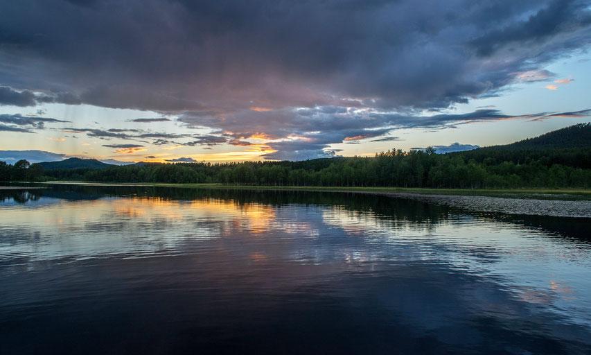 Vikarsjön bei Hedeviken - der See liegt direkt am Campingplatz