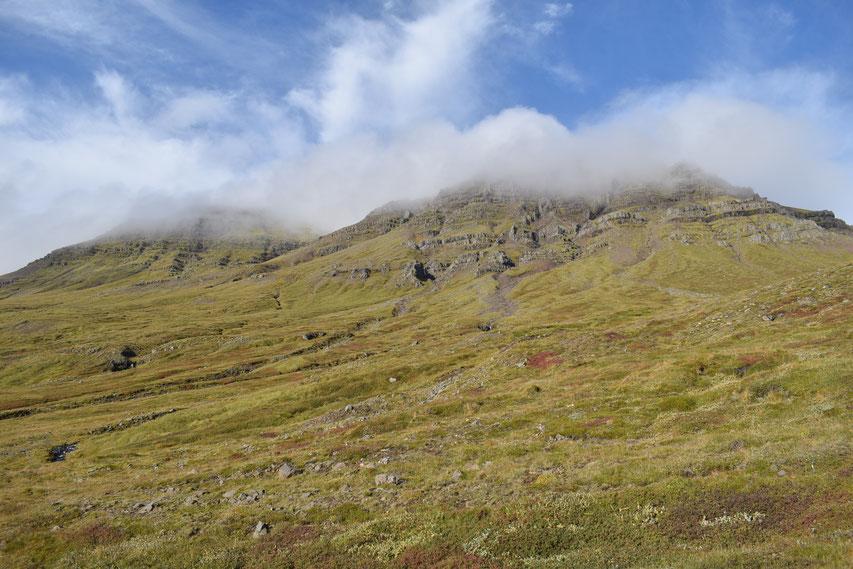 hiking above Havari and Berunes