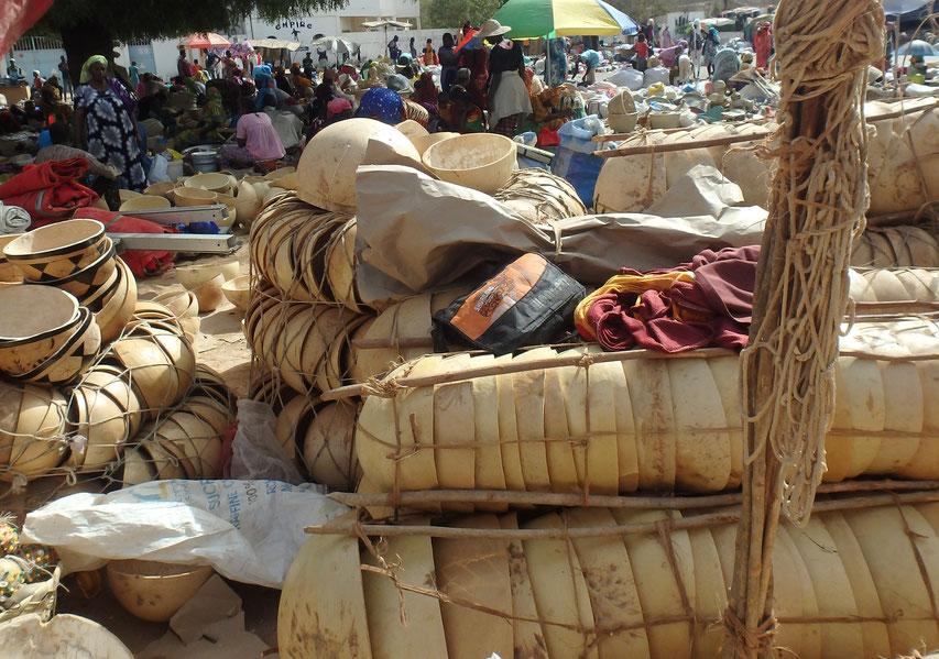 Calabash Popenguine market Senegal