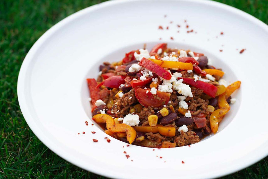 Chili con Carne Salat I low carb & leicht gemacht