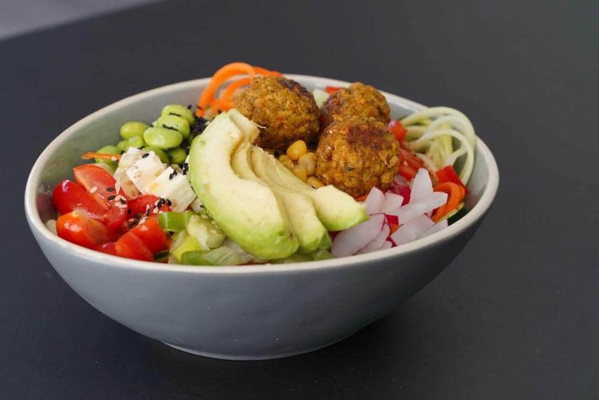 Bunte Falafel Bowl | clean, proteinreich, vegetarisch