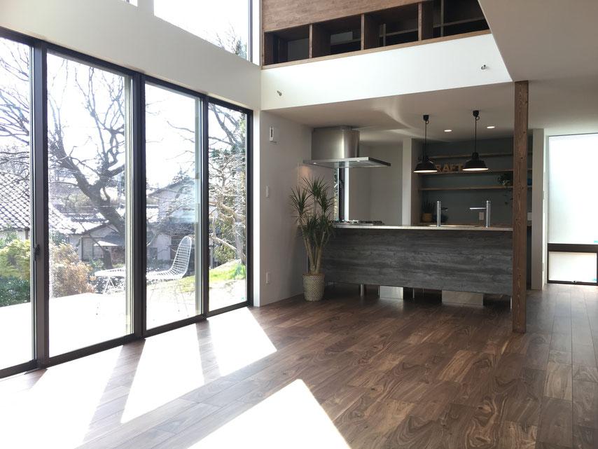 大きな窓の白い家 新潟市 西区 住宅 完成見学会