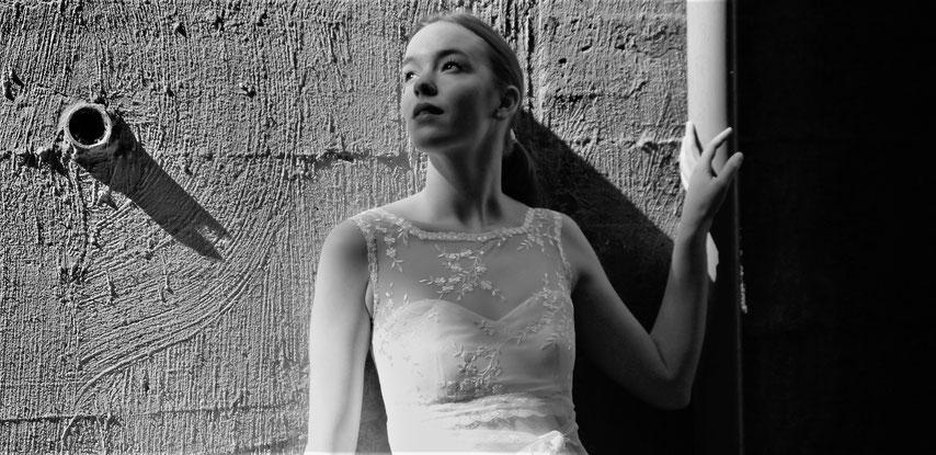 Tüll, fließende Stoffe und filigrane Muster - Brautkleider in Vintage-Style!