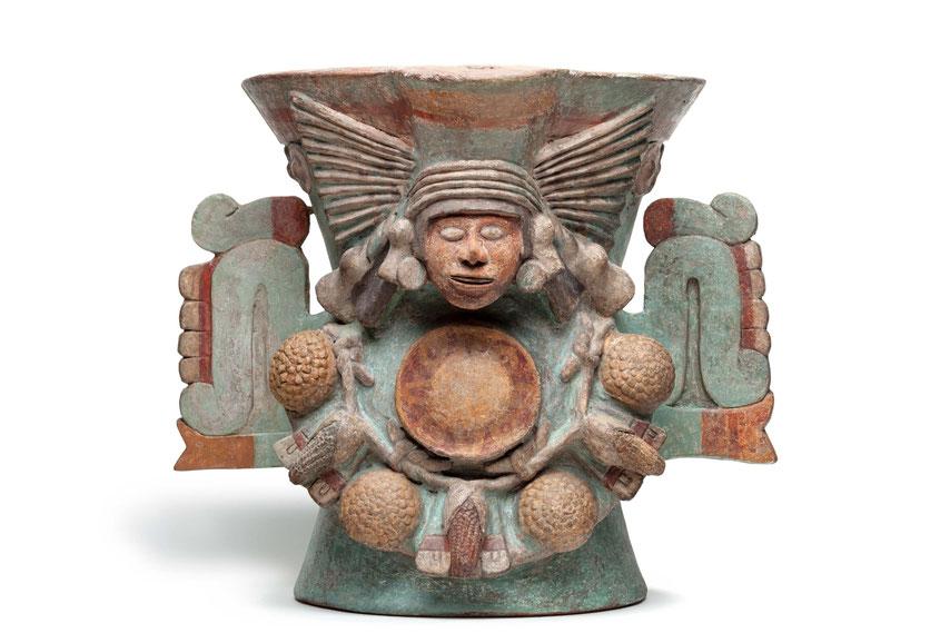 Aztekisches Räuchergefäß aus Keramik in Gestalt der Wasser- und Fruchtbarkeitsgöttin Chalchiuhtlicue