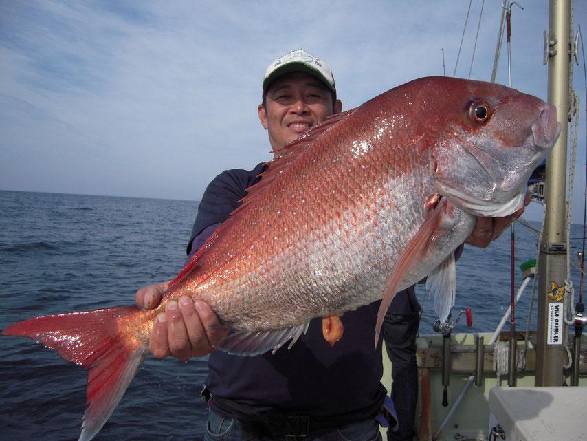 約80cmの大鯛 綺麗な色でした。鯛も好釣!