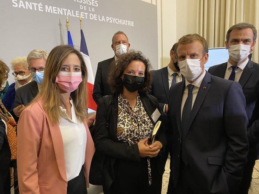 Anissa KHEDHER, le médecin-psychiatre Alima ZEROUG-VIAL et le président de la République Emmanuel MACRON aux Assises de la Santé Mentale et de la Psychiatrie en septembre 2021