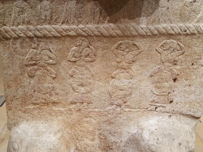 Dettaglio del sarcofago di Ahiram - Museo Nazionale di Beirut (Libano)