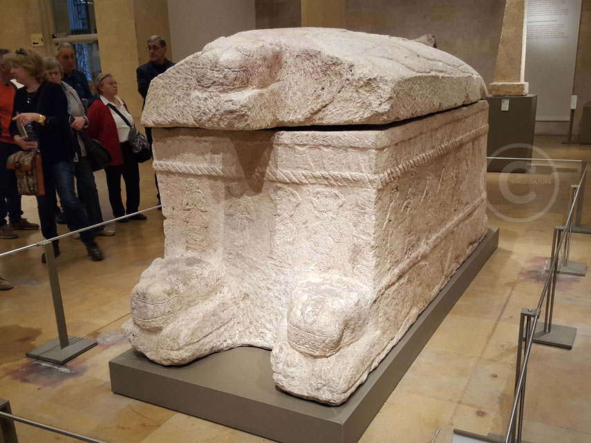 Sarcofago di Ahiram, X sec. a.C. - Museo Nazionale di Beirut (Libano)