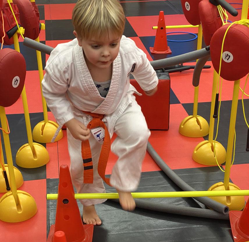Freude an der Bewegung! Spaß am Sport! Im Karatezentrum werden diese Werte spielerisch vermittelt.