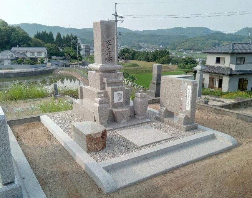 9寸先祖墓2019.7.岡山