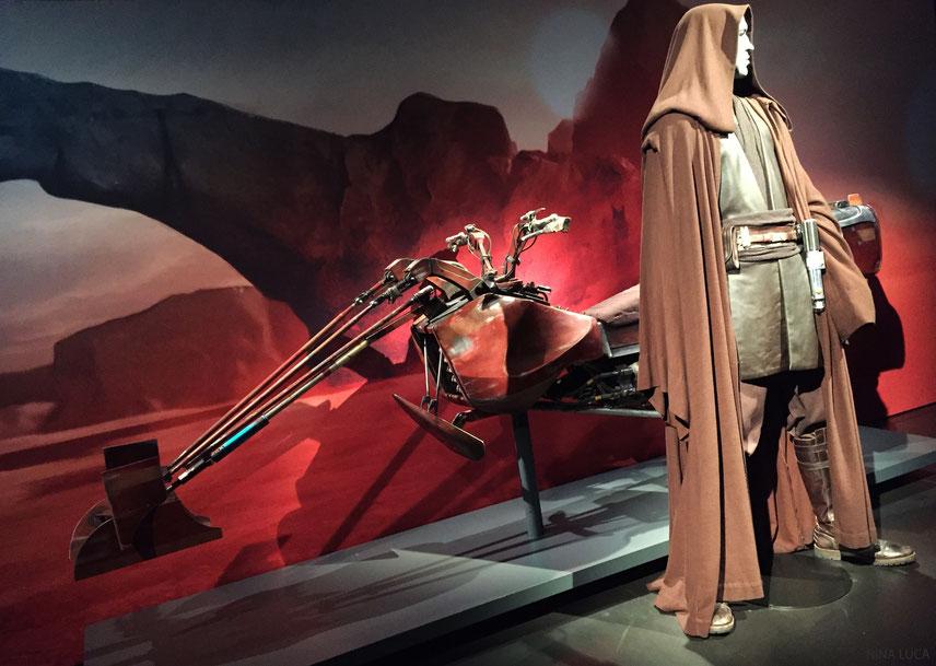 image: nina luca, star wars, star wars identities, star wars münchen, star wars exhibition, yedi, lightsaber, speeder bike, cosplay, swiss cosplay