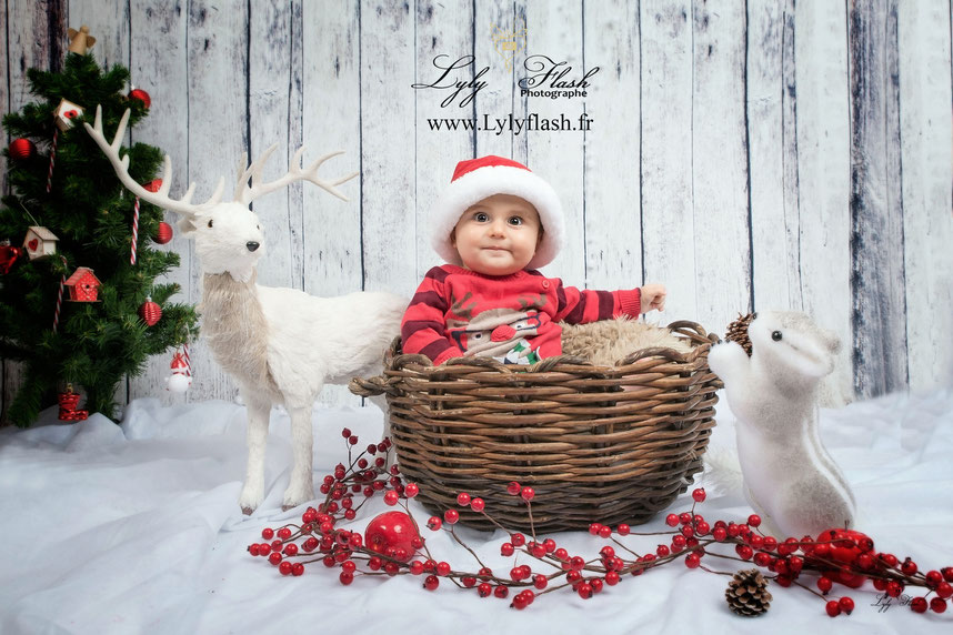 Photo de Noel bébé 6 mois lyly flash photographe