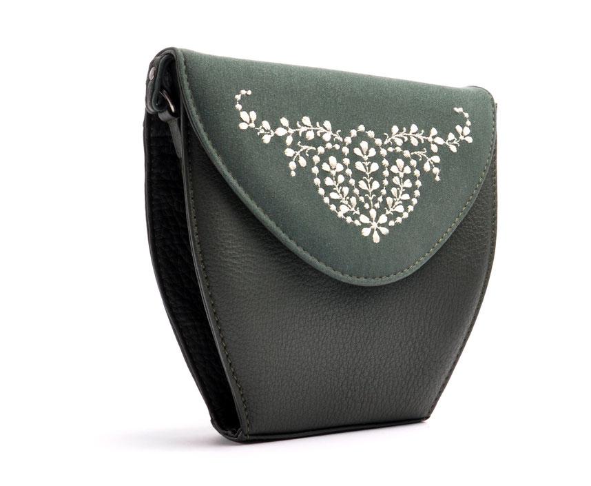 Wiesntasche Trachtentasche MARLA Leder grün mit Stickerei OSTWALD Traditional Craft