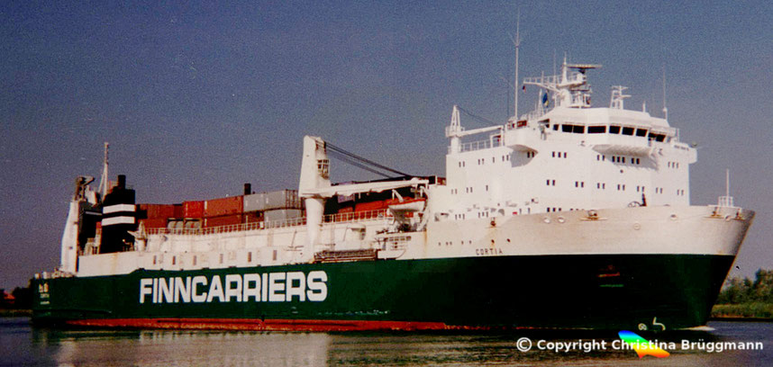 Finncarriers Ro-RoSchiff CORTIA, Nord-Ostsee Kanal 1989