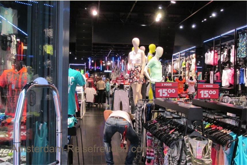 The Nieuwendijk straat in Amsterdam means shopping fun