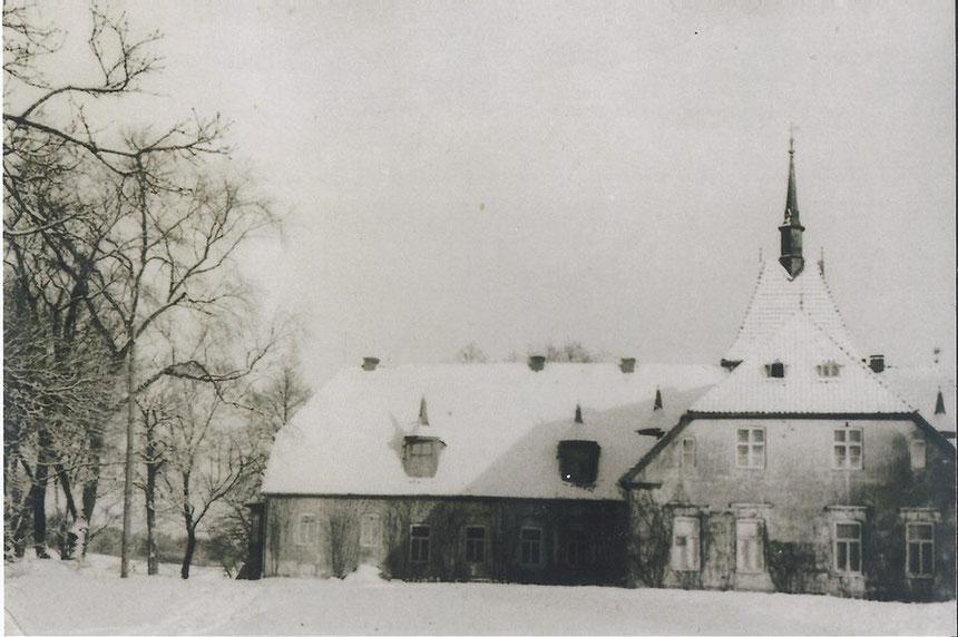 Hofseite des Gutshauses, Winter 1941