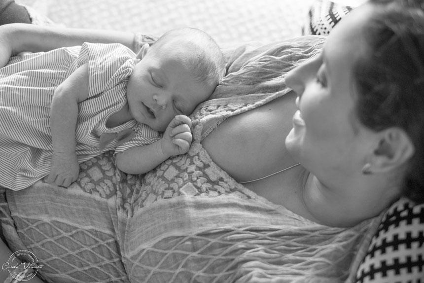 Babies zu Hause fotorafieren leicht gemacht, Tipps und Tricks Babyfotografie Zuhause, Fotografieren mit Tageslicht am Fenster, Neugeborenenfotografie, Babyshooting, Babyfotografie