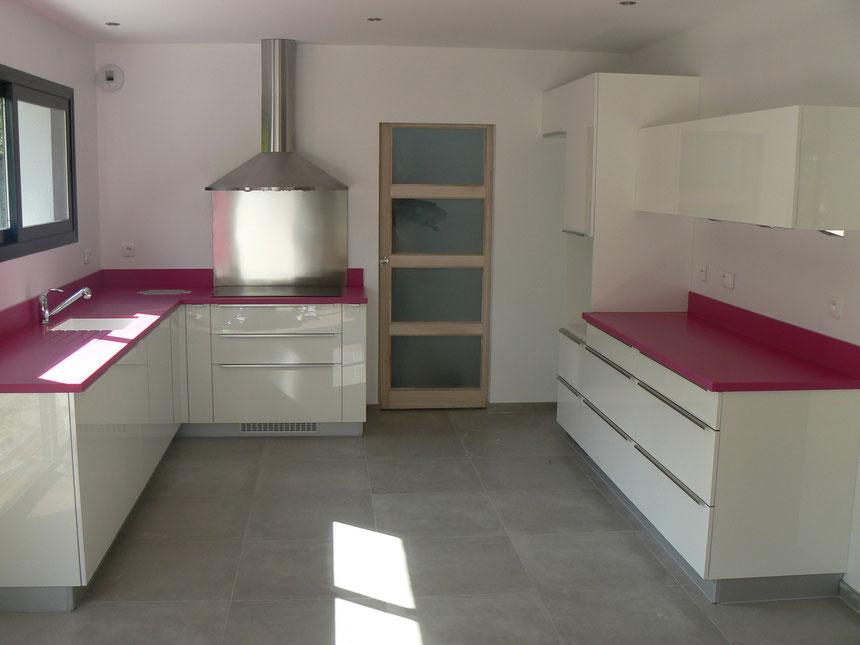 solid surface cuisines dauzet. Black Bedroom Furniture Sets. Home Design Ideas