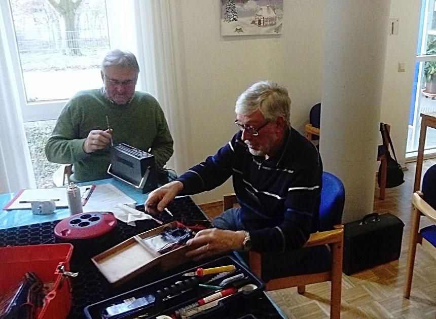 Beim ersten Reparaturcafe / © Peter Tietmann