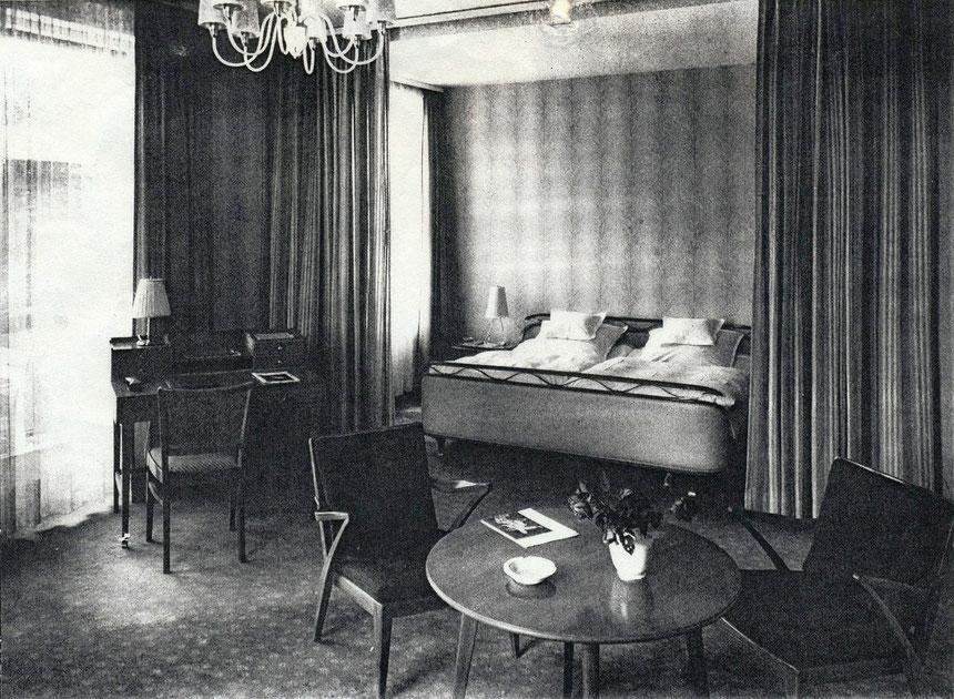 Innenraumaufnahme eines Hotelzimmers des Hilberts Parkhotel, Digitale Leihgabe vom Deutschen Buchkontor Bad Nauheim