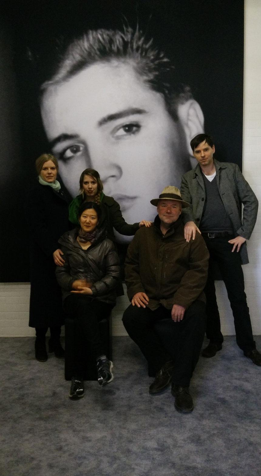 Elvis in Bad Nauheim, von links/hinten: Melissa Lindquist, Hannah Schassner, Oliver Scholz, Jungyeon Kim, Bert Bresgen, Foto: Beatrix van Ooyen