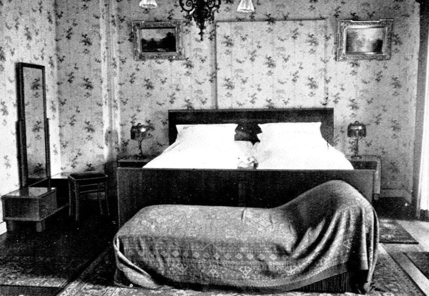 Aus dem historischen Hotel-Prospekt: Elvis-Zimmer 10, Hotel Grunewald um 1900, Sammlung Online-Museum Bad Nauheim