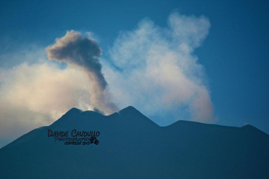 PHOTO: Davide Caudullo. Il piccolo fungo prodotto dall'esplosione delle 17:30 del 24 settembre