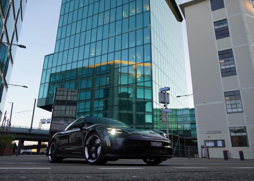Porsche Taycan Turbo S, Antrieb: E-Batterie mit 93,4 kWh