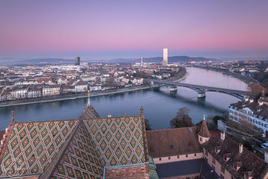 Martinsturm, Basler Münster, Wettsteinbrücke, Rhein, nächtliche Turmbesteigung, Sonnenuntergang, Abendrot, Rochetower, Rocheturm, Messeturm