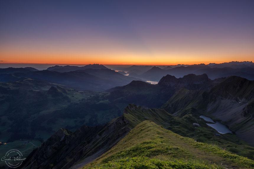 Morgenstimmung vor Sonnenaufgang auf dem Brienzer Rothorn