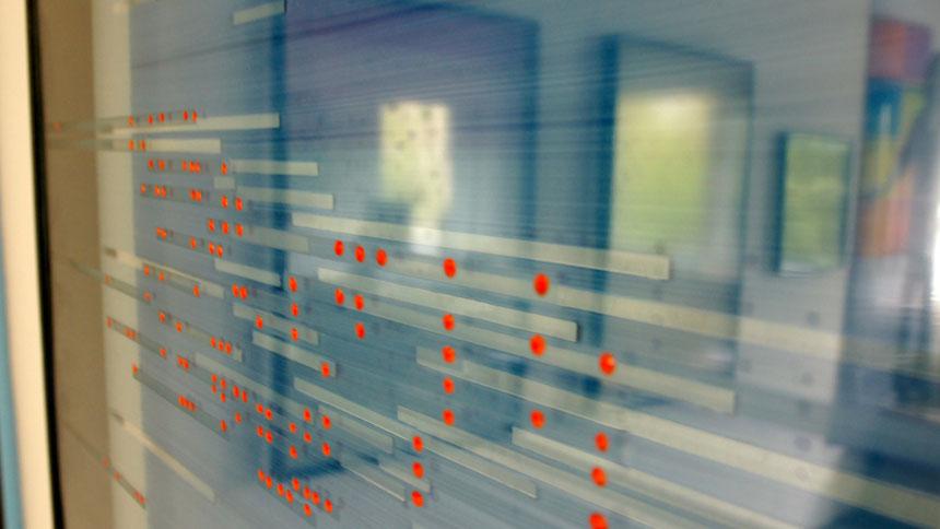 DAS LICHT AUF DEM WASSER, Daekwan Kim, Detailaufnahme mit Reflektion, (C) Annette Palder, tOG, take OFF GALLERY, Düsseldorf