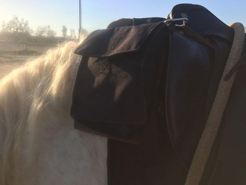 Nylontaschen umgerüstet: Schurwollunterlage