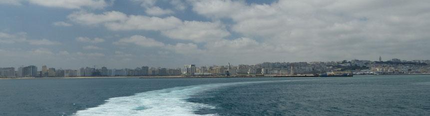 Nous quittons le Maroc par le port de Tanger-ville avec un pincement au coeur, mais d'autres joies sont en perspective ...