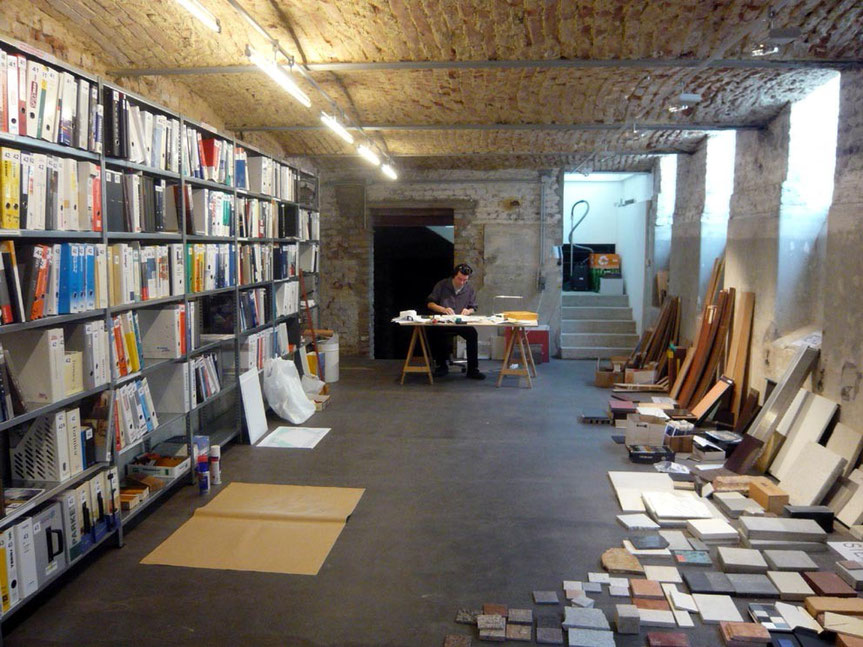 Prospektarchiv und Materialmusterschaumraum - Foto © Knauer Architekten