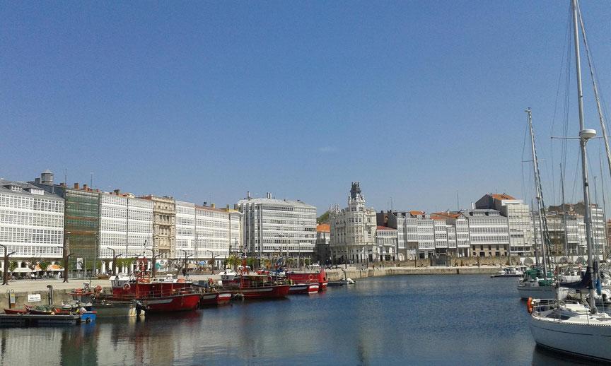 Hafenpromenade in La Coruña