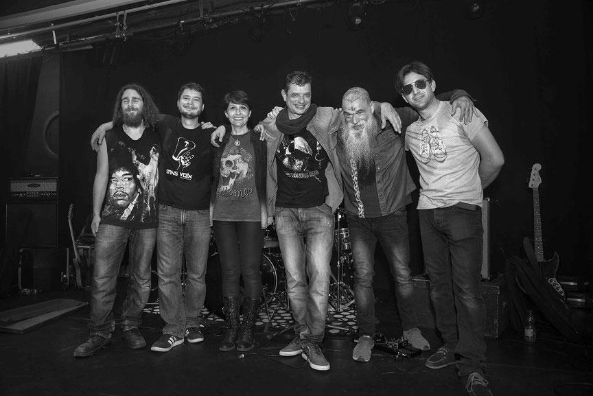 Le groupe Sans Voix après le concert au lycée de l'Olivier, à Marseille. Crédit : Gilles Marmonier.