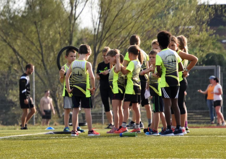 Freiburger Kinderleichtathletik-Team im Rahmen von Konstis Laufnacht 2020